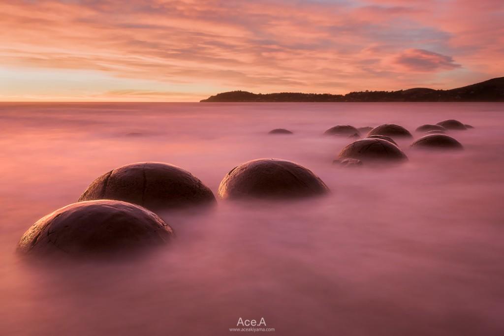 ニュージーランドのモエラキ海岸