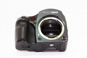 Phase One 645DF+のフォーカシングスクリーンを掃除する方法